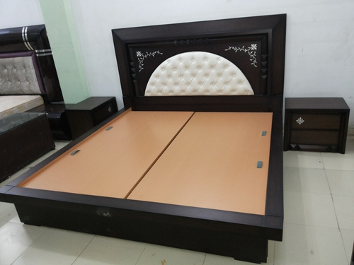 Designer bedroom double bed in timber market kirti nagar for Bed design images