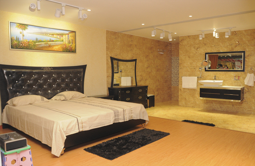 Bedroom modern bed in kirti nagar new delhi distributor for Bedroom designs delhi