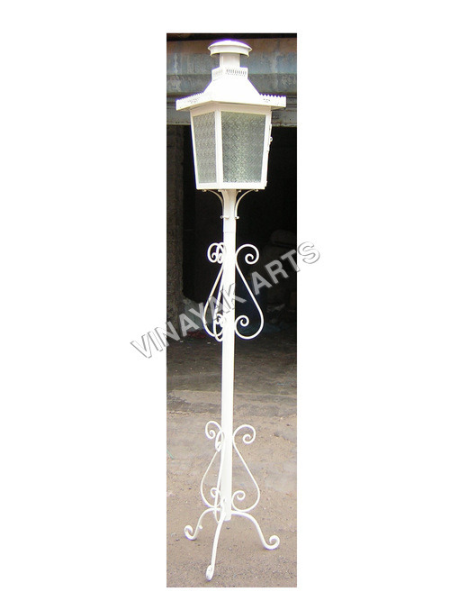 Outdoor Decorative Pole Lamps in  Heavy Indl. Area
