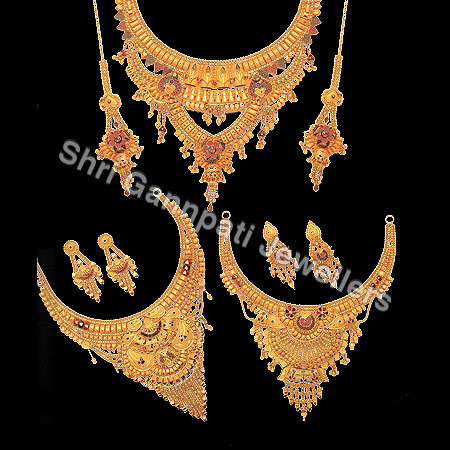 Gold Necklace Set in   Jagadhri