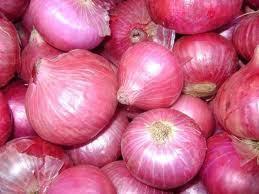 Nashik Red Onion in  Avadi