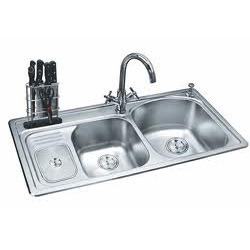 kitchen sink we feel proud to present ourselves as the major supplier of kitchen sink our unique quality makes us stand apart from our competitors - Kitchen Sink Supplier