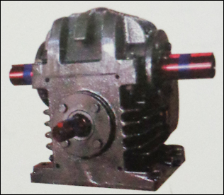 MU300 Double Output Standard Gear Box in  Neelambur
