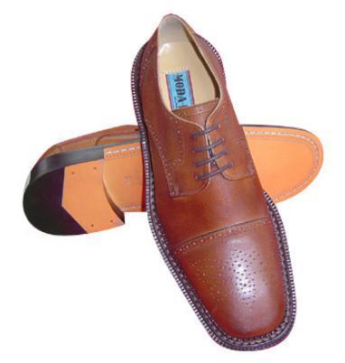 Main Shoes in  Dev Nagar