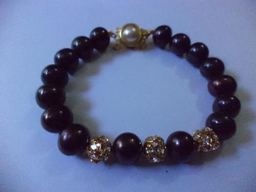 Charming Pearl Bracelet