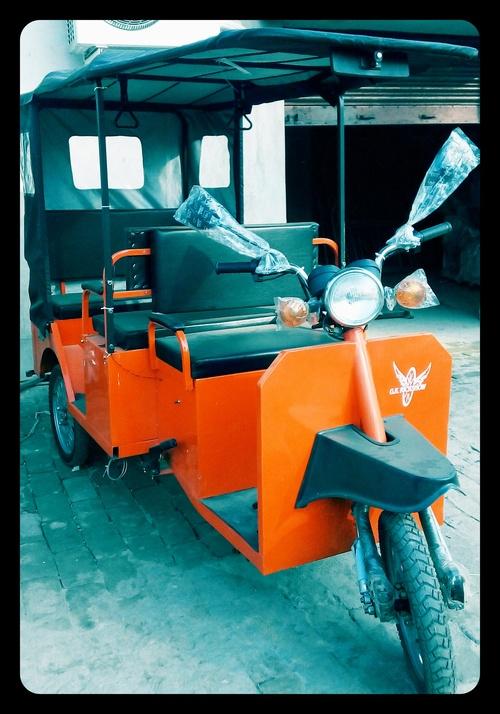 Heavy Duty Battery Rickshaw in   P.S. Bhadreshwar