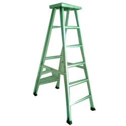 Aluminum Folding Platform Ladder in  Karawal Nagar