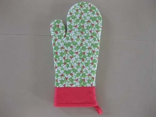 Mistletoe Oven Mittens in   Chinnandan Koil Road