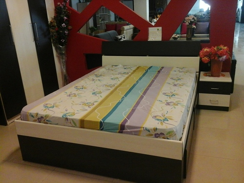 Queen Size Bed In Vadodara Gujarat Target Furniture Pvt Ltd