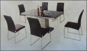 Neo Apple Dining Table With Novice Chairs in Goregaon W Mumbai