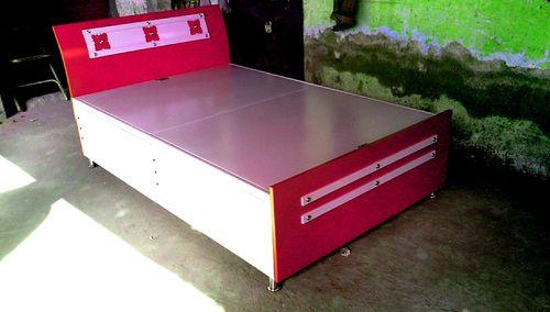 Metal Designer Single Beds In Vadodara Gujarat Yashvi Steel Furniture