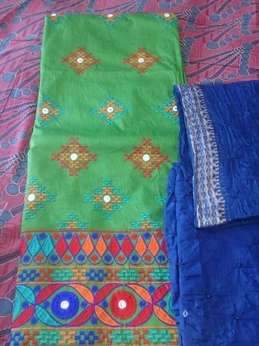 Ladies Bandhej Suit With Thread Work in   Navagadh Main Road