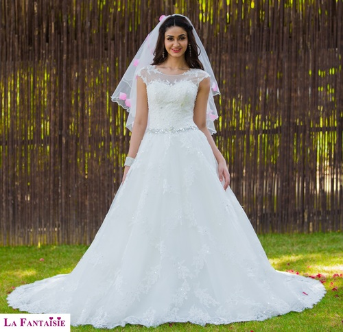 White Christian Wedding Gown in New Ranjeet Nagar, New Delhi ...
