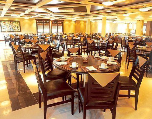 Hotel Dining Table Set in Mumbai Maharashtra Pavit  : hotel dining table set 892 from www.tradeindia.com size 500 x 394 jpeg 56kB