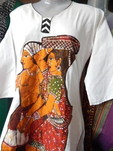 Ladies Figure Batik Applic Kurti