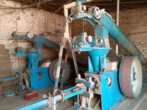 Ram Piston Type Briquetting Machine