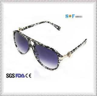 Cool Trendy Mirrored Sunglasses for Women with Metal Hinge