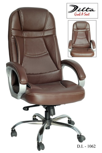 Office Revolving Chairs in  Gomtipur