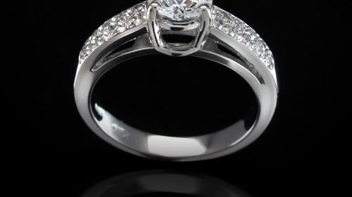 Trendy Platinum Ring