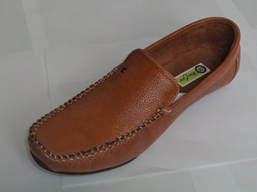 Mens Loafer Shoes in  Naiwala