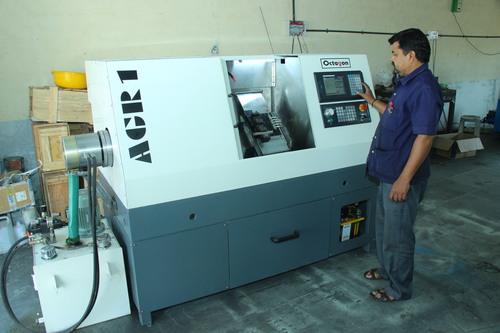 CNC Lathe Machine in   Wagh Dongar