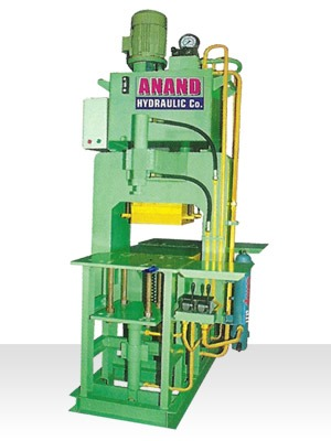 Oil Hydraulic Paver Block Making Machines in   PANCHASAR ROAD