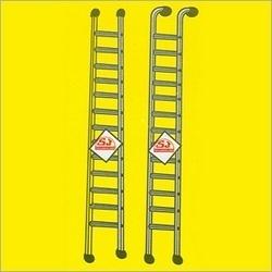 Aluminum Round Pipe Ladders in  Hauz Qazi