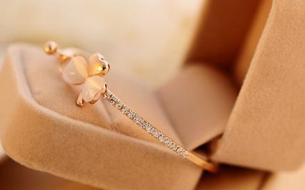 Gold Plated Clover Opal Charm Bracelet