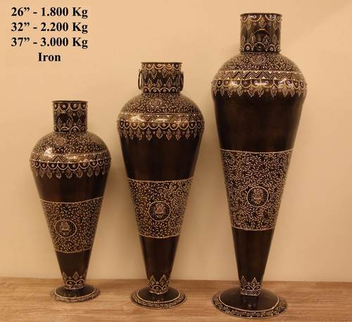 Iron Vase Set Of 3 in  M.I. Road