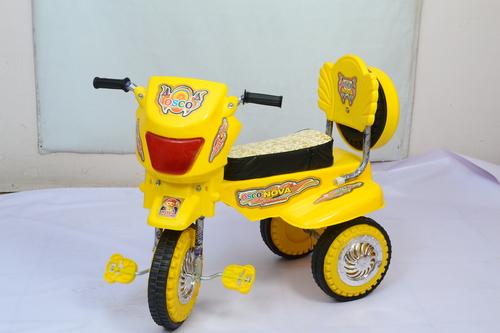 Nova Scooter C/Wheel in  Babarpur (Shahdara)
