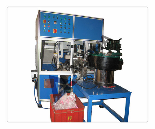 Full Automatic Brush Twisting Machine in   Long Hua District
