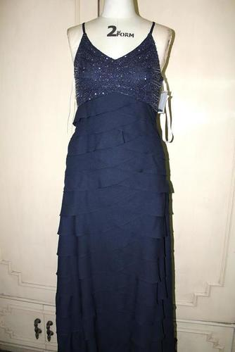 Ladies Sleeveless Evening Dress in   Margao