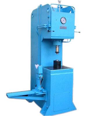 C Frame-Hydraulic Press Machine in  Kathwada