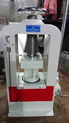 Industrial Cube Testing Machines in  New Rohtak Road