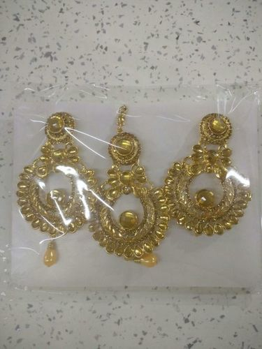 Qwerty Maang Tika Earring Set in  Sadar Bazar