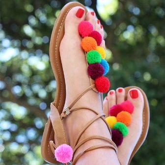 Classic Beautiful Flat Colorful Pompom Sandal
