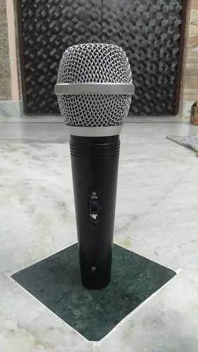 100 XLR Microphone