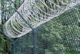 Fixing Services Of Pyramid Fencing Wire