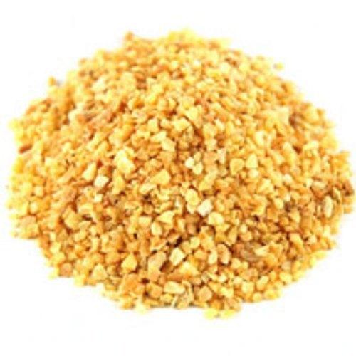 Dried Garlic Chopped in Mahuva-Bhavnagar Highway
