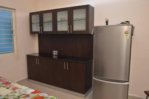Wooden Bedroom Wardrobe in  Panjagutta