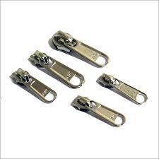 Metallic Zippers in  Sadar Bazar