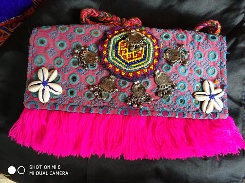 Vintage Handmade Banjara Clutch Bags in  Sukhdev Vihar