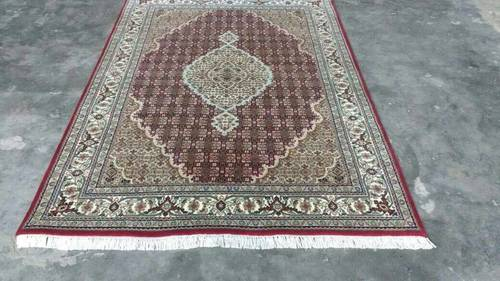 Hand Knotted Persian Carpets in  Quazipur Chowk