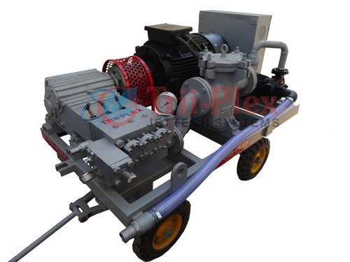 High Pressure Water Jet Cleaning Pumps 1000 BAR in  Ramol