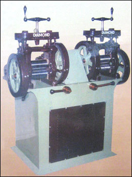 Close Body Sheet Wire Rolling Machine