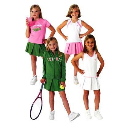 Girls' gym clothes like shiny leotards and dance skirts are perfect for gymnastics or ballet class. Let your little lady shine as she does splits on a mat or twirls through the air. Exciting print leggings and athletic t-shirts are flexible enough for cycling, basketball or aerobics classes.