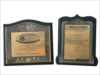 Frames Plaques Trophies in  Rani Jhansi Road