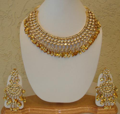 Gold set design : Ladies designer gold necklace set in nr obc bank patiala