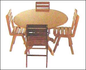 Wooden Dining Table in   KANJIKUZHY