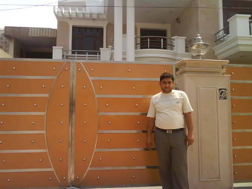 Stainless Steel Main Gate on Iron Entrance Gates Designs